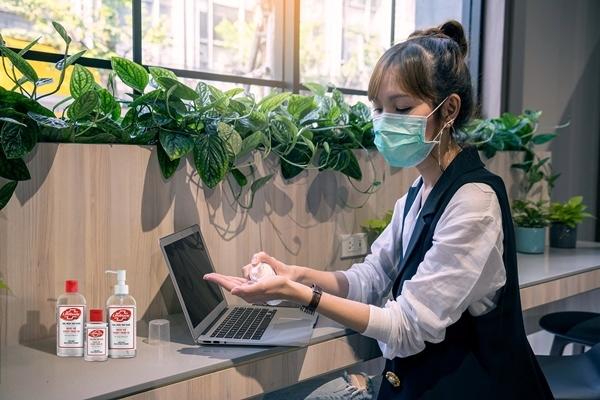 Chống dịch Covid-19: 4 điều cần làm ngay cho văn phòng sạch khuẩn