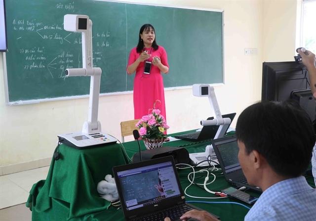 Ministry says schools and teachers must agree on online learning fees amid coronavirus