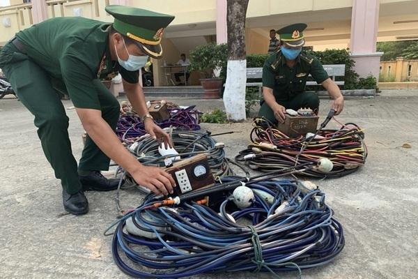 Dùng kích điện tận diệt hải sản, 5 tàu cá bị bắt ở Đà Nẵng