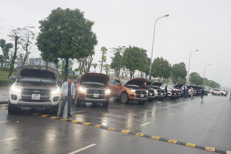 Giải trình vụ xe chảy dầu, Ford Việt Nam than khách không hợp tác