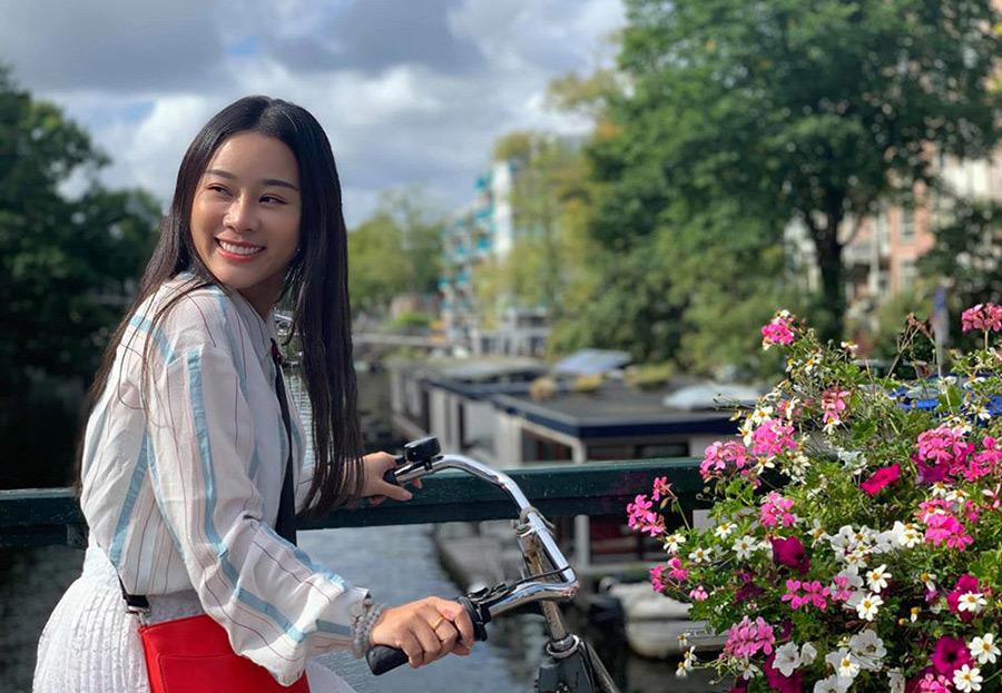 Người vợ nhiều tài lẻ kém 18 tuổi của ca sĩ Việt Hoàn
