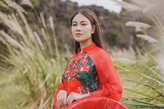 Hoa hậu áo dài Tuyết Nga ra MV'Bèo dạt mây trôi'