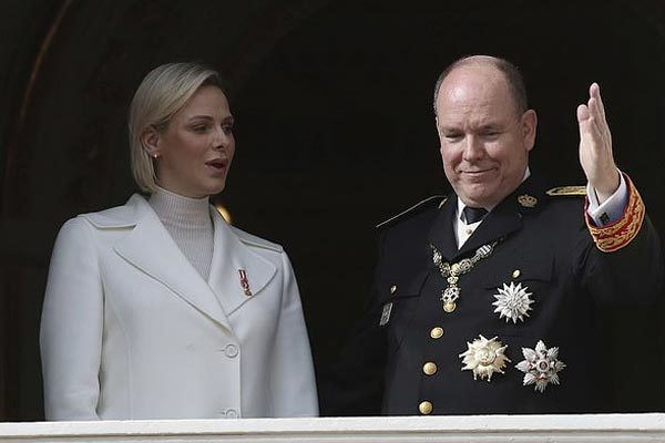 Hoàng thân Monaco trở thành nguyên thủ đầu tiên nhiễm Covid-19