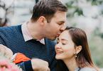 Chồng Tây 2m của Lan Phương không ghen khi vợ đóng cảnh nóng