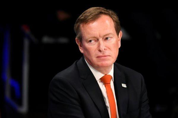 Bộ trưởng Y tế Hà Lan xin từ chức vì kiệt sức chống Covid-19
