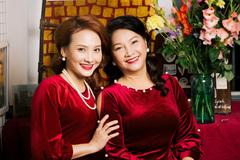 Mẹ ruột xinh đẹp của Bảo Thanh, Lan Phương, Thu Quỳnh