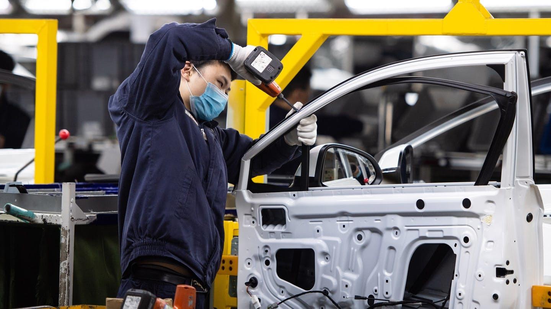 Anh cầu cứu các hãng ô tô sản xuất thiết bị y tế chống Covid-19
