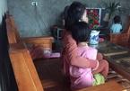 Mẹ phá cửa phát hiện con gái bị gã hàng xóm dâm ô