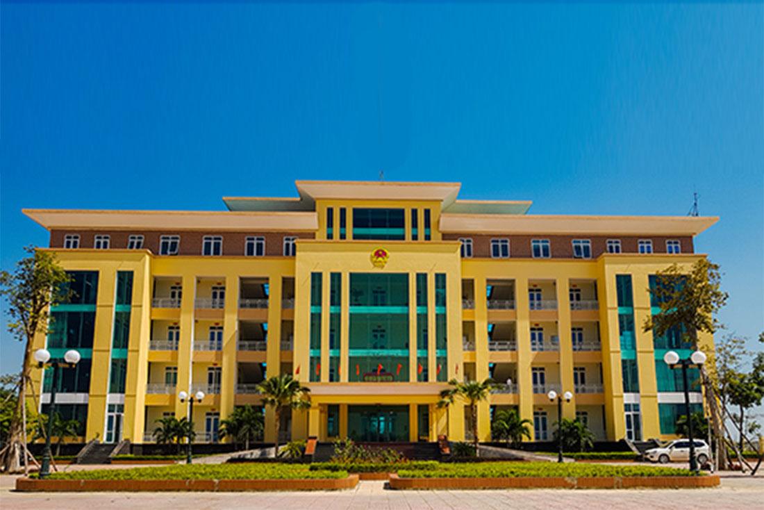 Bắt tạm giam Trưởng phòng LĐ-TB&XH ở Nghệ An