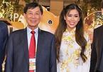 Gia đình Tiên Nguyễn cam kết đóng góp 30 tỷ đồng