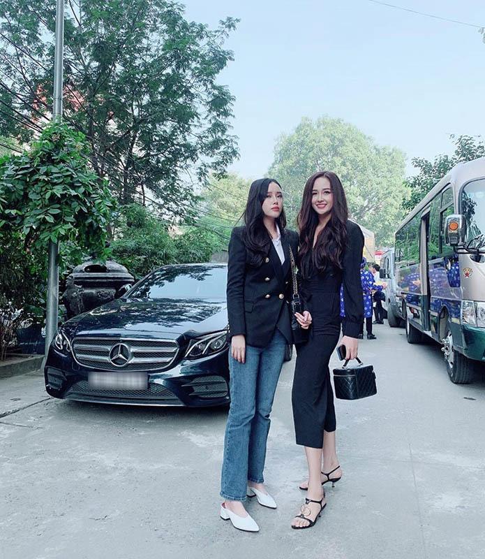 1m78, xinh, sang, em gái Mai Phương Thuý ngọt ngào bên bạn trai