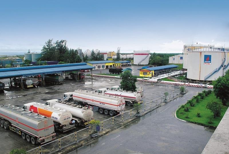 Trong nước ế ẩm, đề xuất cấm nhập khẩu xăng dầu