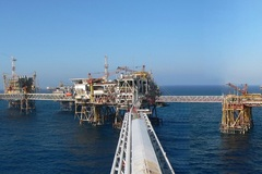 Tính kịch bản giá dầu giảm sâu dưới 30 USD/thùng