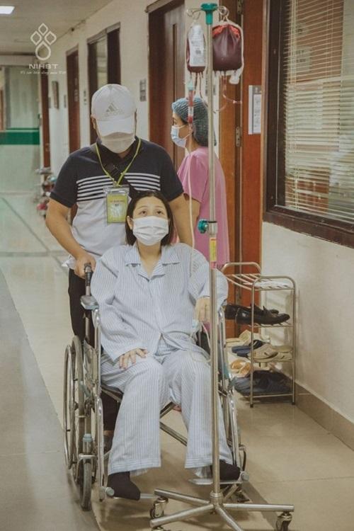 Bà mẹ ung thư máu sinh con an toàn nhờ sự chia sẻ của cộng đồng