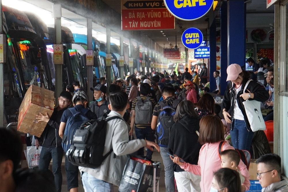 Bến xe Miền Đông mới vào hoạt động, 68 tuyến xe phải di dời