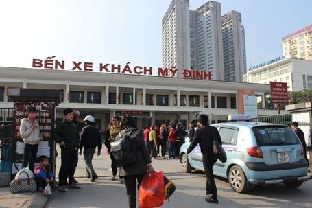 Hà Nội để xe khách chạy sau 0h: Lo chạy trái tuyến, mua bán lốt