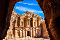 Những kỳ quan ẩn náu giữa sa mạc khắp thế giới