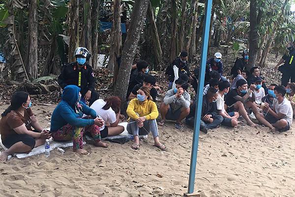 Triệt phá sới bạc lớn ở An Giang, thu giữ hàng trăm triệu