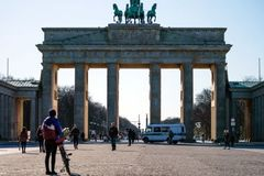 Coronavirus: Germany tightens curbs and bans meetings of more than two