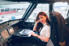 Vẻ quyến rũ của các nữ phi công khi rời buồng lái