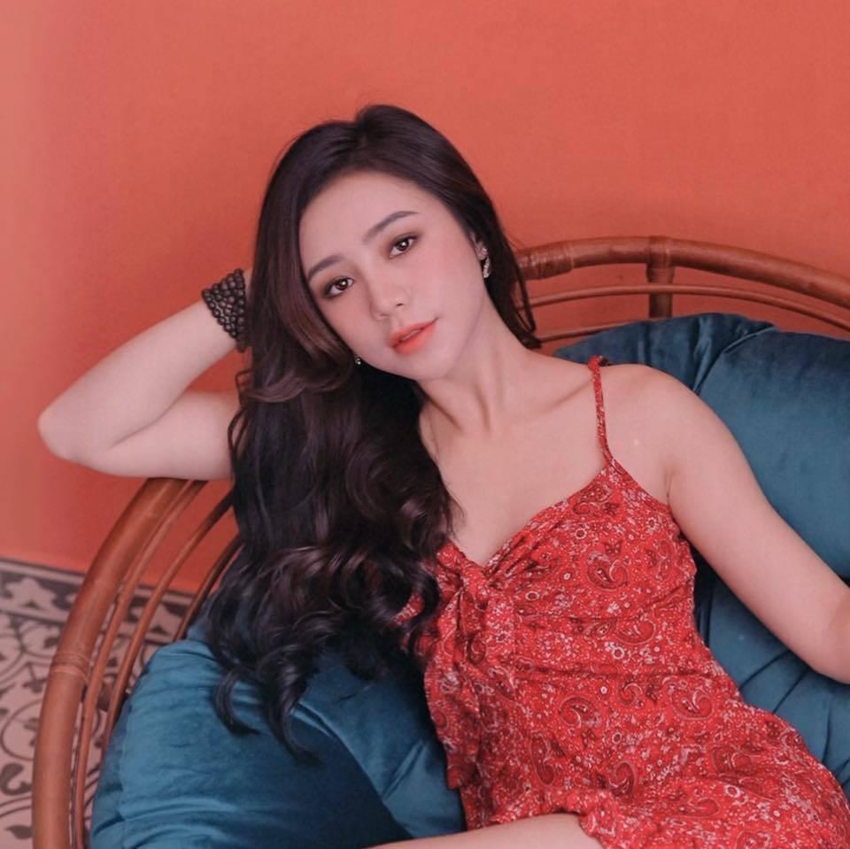 Vẻ đẹp ngây thơ của Quỳnh Kool 'Đừng bắt em phải quên'