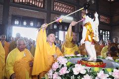 Không rước xe hoa, tụ tập đông người trong Đại lễ Phật đản 2020