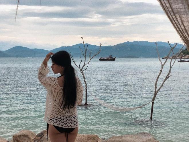 Con gái NSƯT Chiều Xuân ra dáng thiếu nữ xinh đẹp tuổi 16