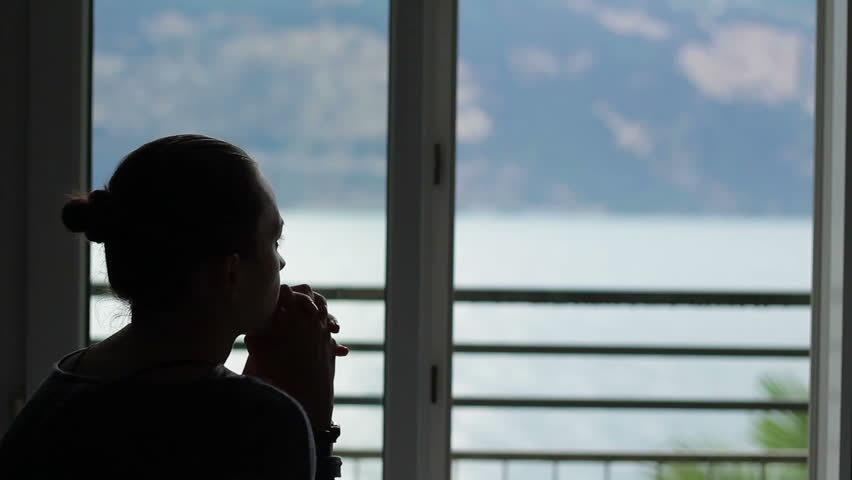 Yêu cầu kỳ quặc của mẹ chồng trong căn nhà 65m2 khiến nàng dâu bật khóc