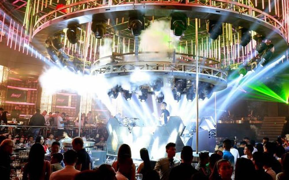 Cần Thơ tạm đóng cửa quán bar, massage, karaoke để tránh Covid-19