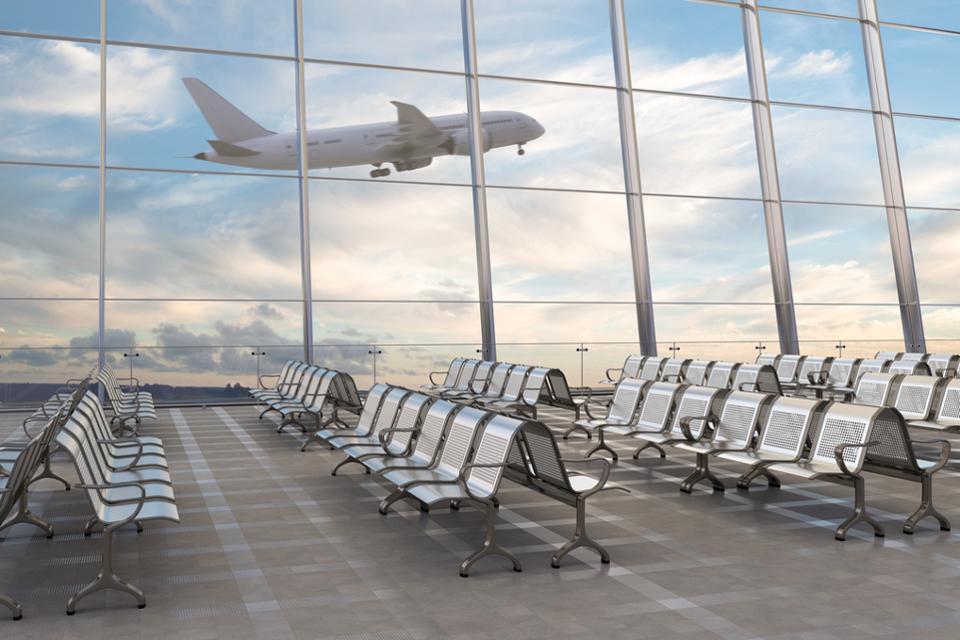 Đại dịch chưa qua, đua nhau nối lại đường bay quốc tế