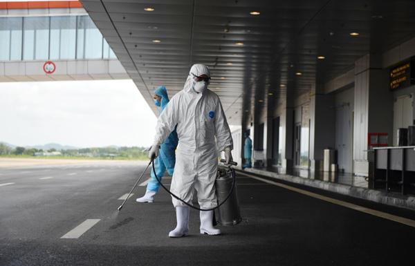 Biệt đội 'sẵn sàng 24/7' ở sân bay Vân Đồn