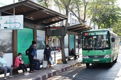 HCM City to open free parking space for bus passengers