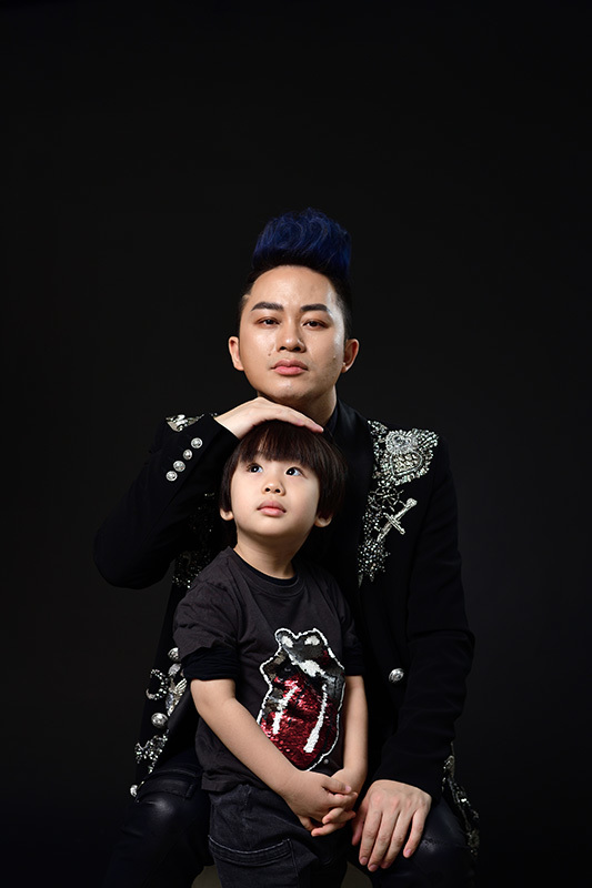 Con trai 4 tuổi cực đáng yêu của vợ chồng ca sĩ Tùng Dương
