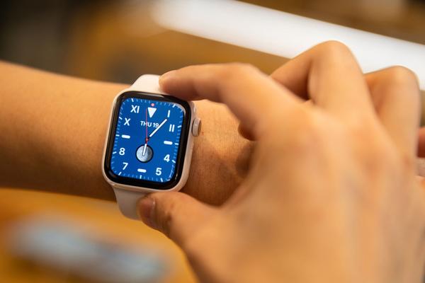 Apple mất ngôi vương trên thị trường thiết bị đeo thông minh