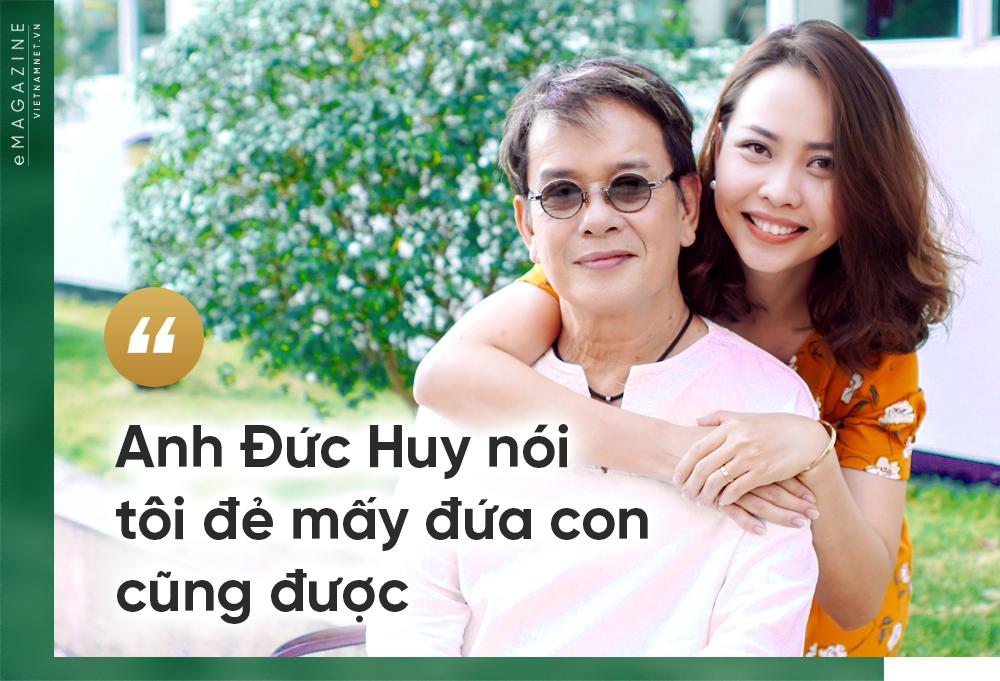 chuyen tinh co tich cua nhac si duc huy va vo kem 44 tuoi 7 Tuấn Ngọc: Hơn 40 năm đứng trên sân khấu mới được nổi tiếng