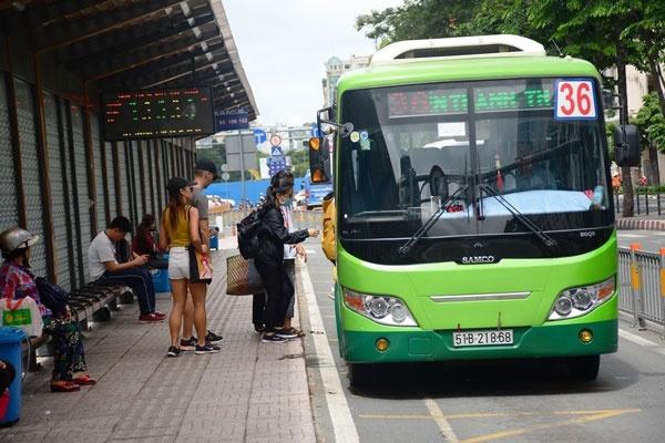 TP.HCM lập thêm nhiều khu cách ly, kiến nghị dừng xe buýt