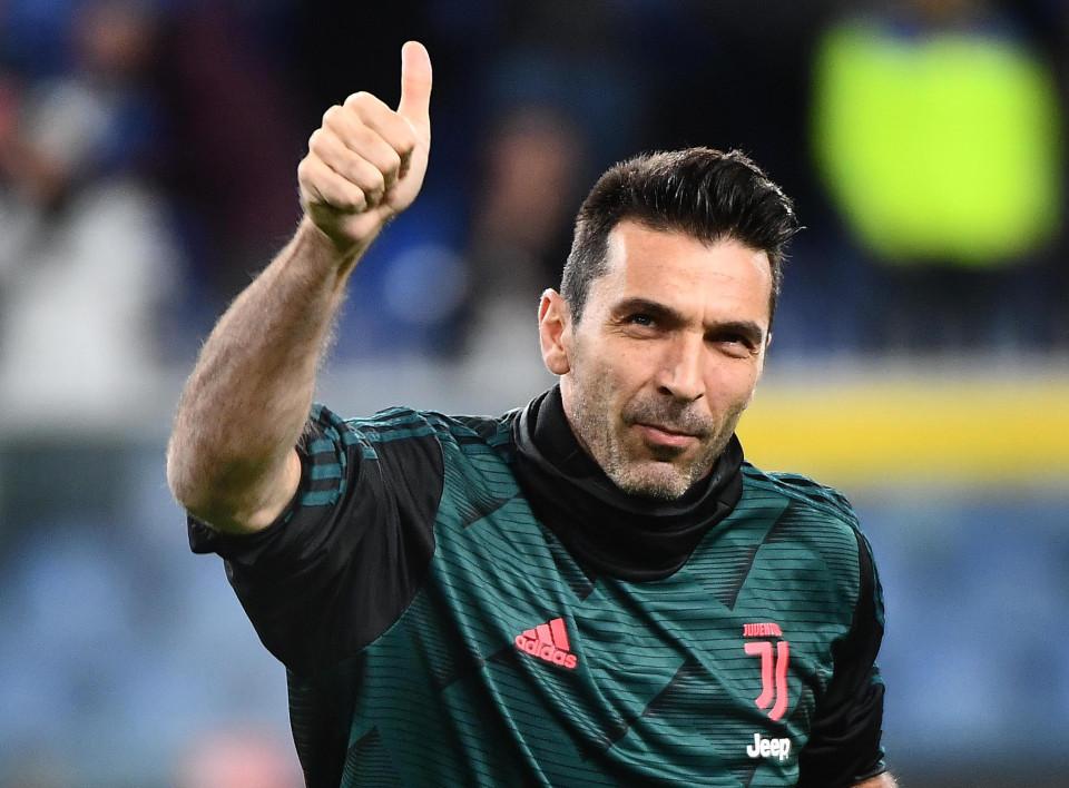 Buffon ký hợp đồng mới, bắt cho Juventus đến 43 tuổi