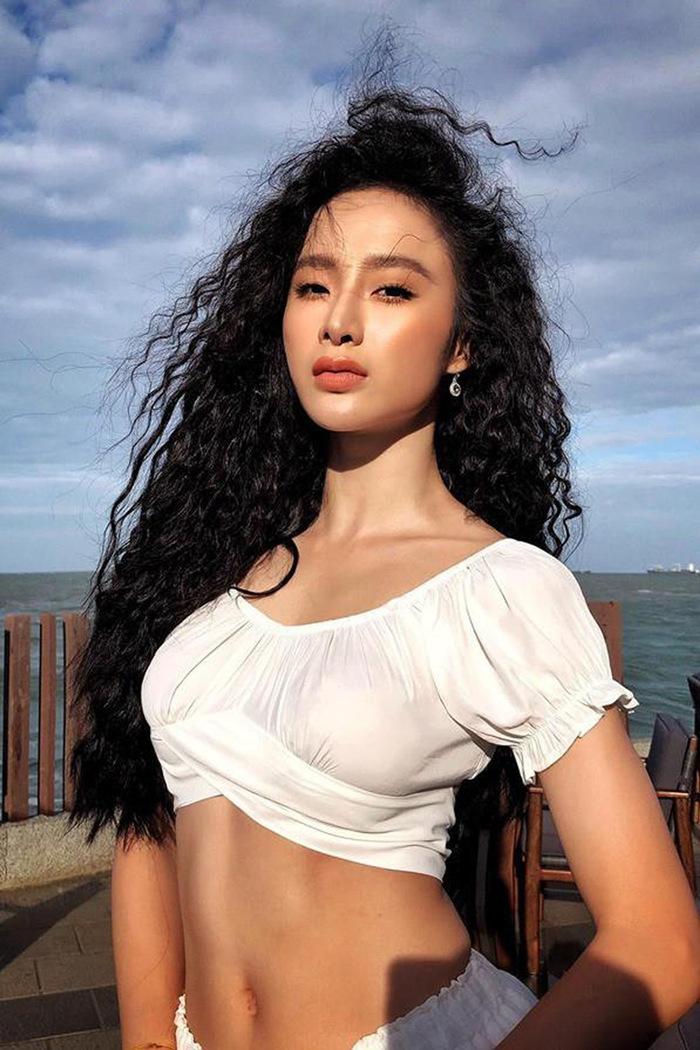 Angela Phương Trinh: Từ 'sao nhí' nổi loạn đến 'gái ngoan' bất ngờ