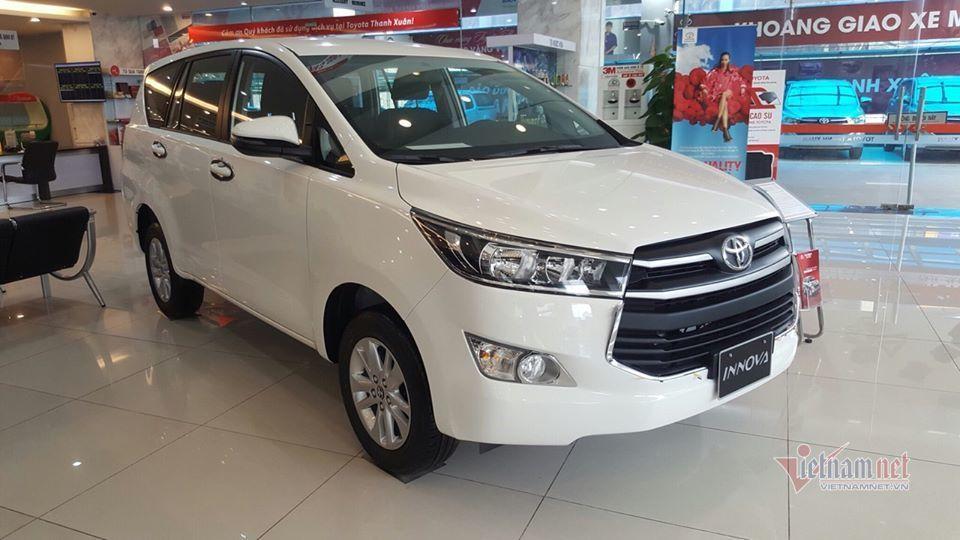 10 mẫu ô tô tại Việt Nam giảm giá sâu nhất trong tháng 3