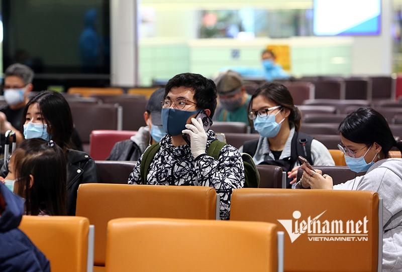 Bộ Ngoại giao: Công dân Việt Nam hạn chế tối đa về nước lúc này