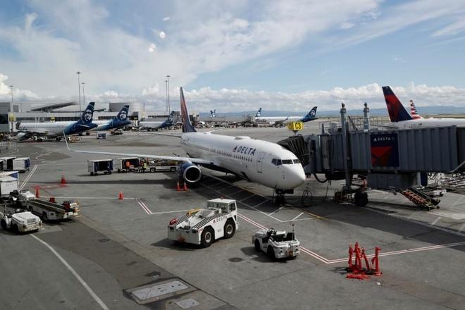 Boeing và Airbus chật vật tìm cách sống sót