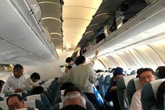 Người đàn ông Trung Quốc bị ghi lại cảnh trộm tiền trên máy bay Jetstar Pacific
