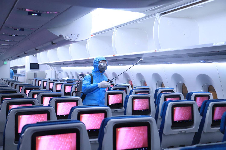 Khách đi máy bay phải ngồi cách ít nhất 1 ghế do dịch Covid-19