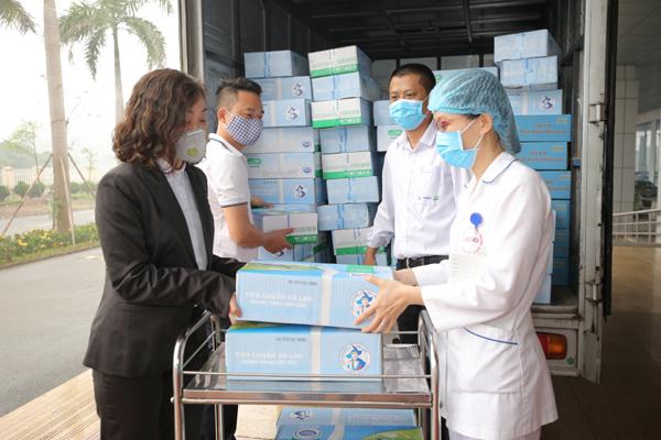 Sữa tươi Cô Gái Hà Lan góp 2 tỷ đồng chống dịch Covid-19