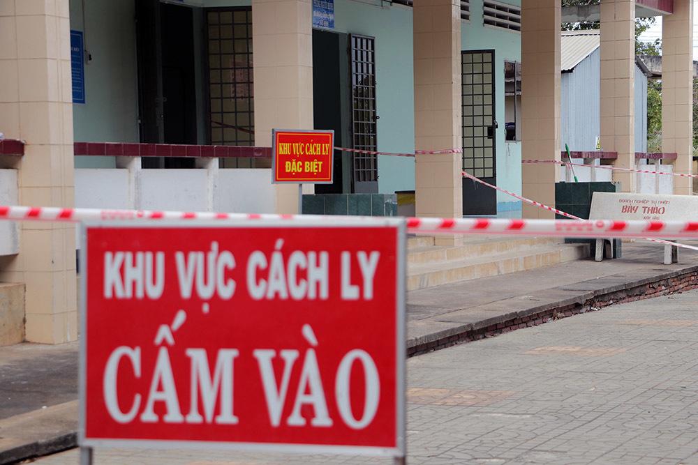 Phong tỏa cả đường bộ, đường sông nơi thiếu nữ nhiễm virus