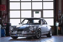 Porsche 911 đời 1985 độ lại thành xe cổ đời 1970