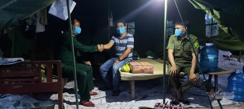'Lá chắn sống' phòng dịch nơi biên giới Quảng Trị