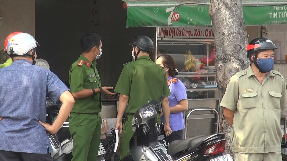 Án mạng trước quán cơm ở Sài Gòn, 1 người tử vong