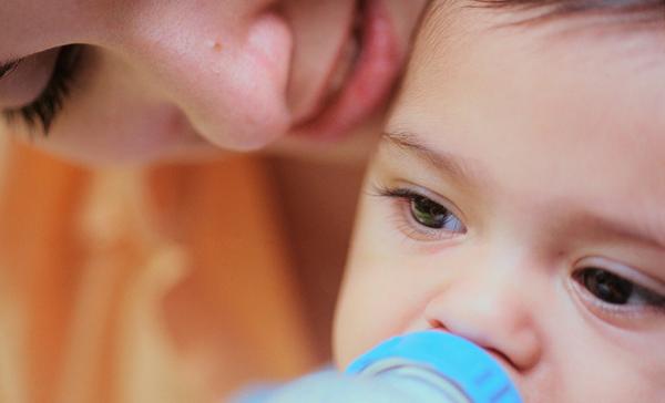 Mách mẹ cách bảo quản sữa công thức đúng cách