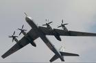 Xem chiến cơ Nga được cặp tiêm kích Nhật Bản hộ tống